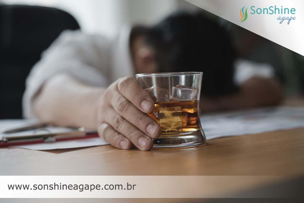 clínica de recuperação para alcoólatras